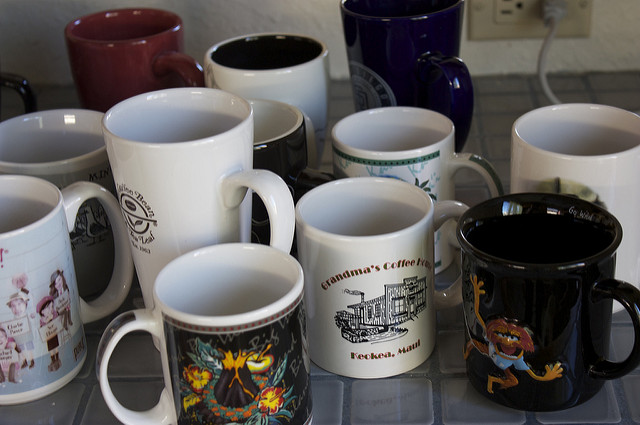 An assortment of mugs. Places to declutter